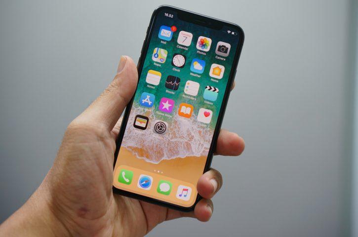 Wymiana szybki iPhone – ile to kosztuje?