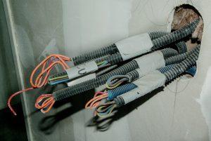 Łączenie przewodów elektrycznych.